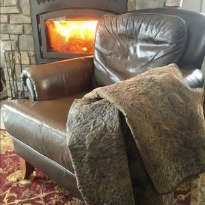 Gorgeous & Cozy Woolrich Throw Blanket!